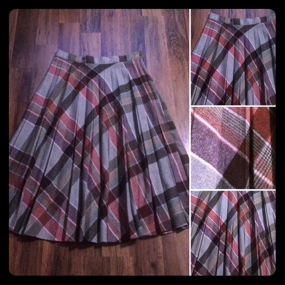 Vintage Dresses & Skirts - 🦋 2/$10 or 5/$20 Vintage 70s Wool Plaid Skirt
